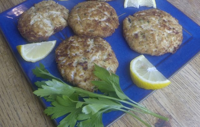 Maryland Broiled Crab Cakes